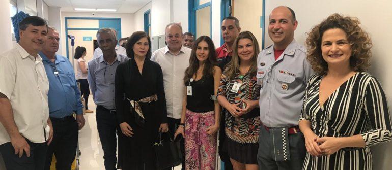 Vereadores e Coronel dos Bombeiros visitam obras do Hospital Ilumina
